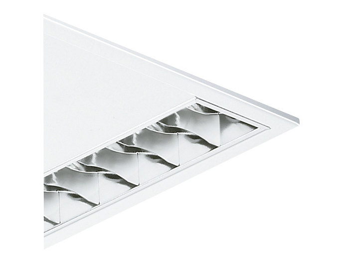 Seidenglänzende OLC-Microlamellenoptik aus silberbeschichtetem, hocheffizientem Aluminium mit 3D-Lamellen (D8-VH) oder aus Standardaluminium (D8), beide bildschirmtauglich