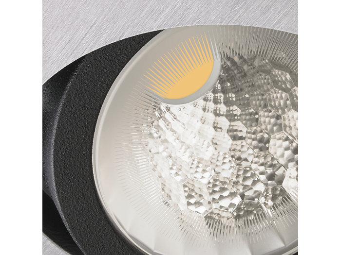 Muotoilulla suorituskykyä – uudet heijastimet tuottavat erinomaisen valotehokkuuden, selkeän valokeilan ja tasaisen valon värin.
