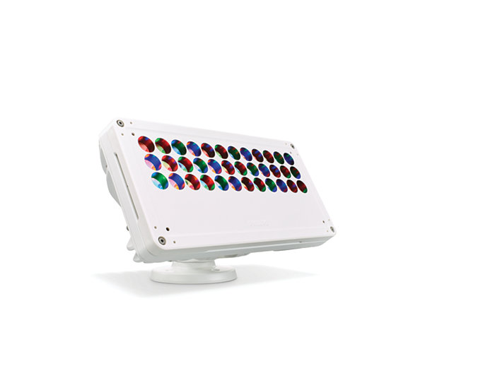 Blast Powercore gen4 LED wall washing fixture with Circular Louver