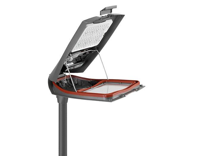 Leuchtendach mit LED-Modul und Geräteträger nach oben aufklappbar