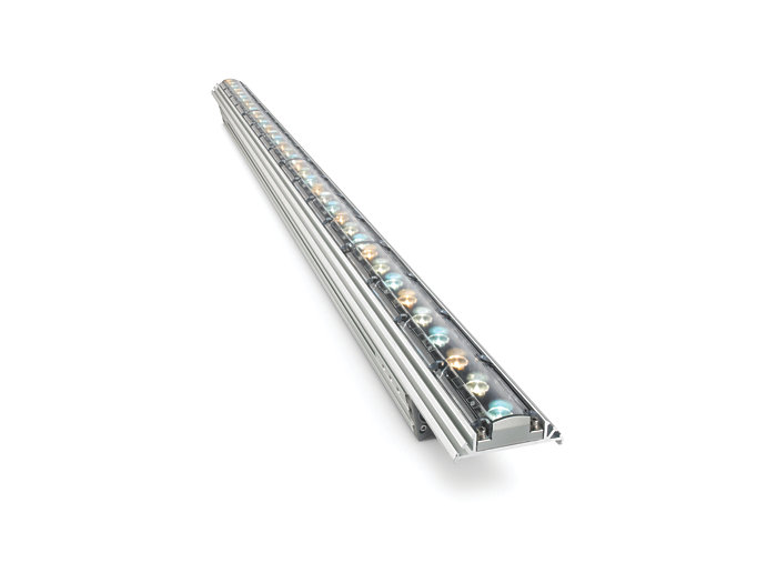 iW Graze QLX Powercore 5W architectural fixture, 1219 mm (4 foot)