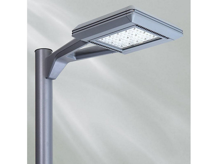 SlenderForm V Arm Mount, Type 4, 64 LEDs, 850mA, Neutral White, House Side Shield, Gen 2