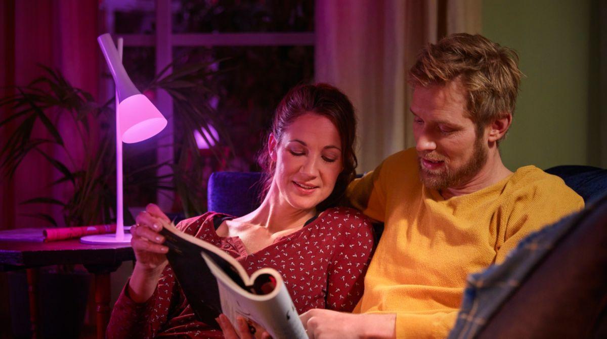Dirigez l'éclairage grâce à une lampe de table inclinée