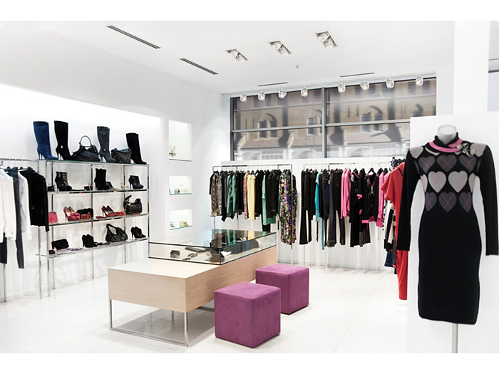 Alcyon LED Vertical Recessed Multiple Retail Store - Application Photo