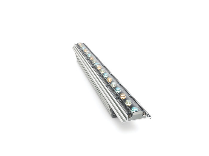 iW Graze QLX Powercore architectural fixture, 610 mm (2 foot)