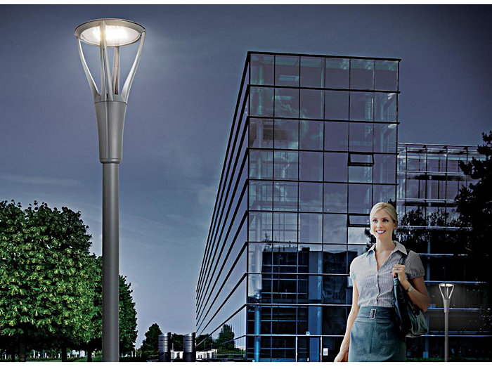 UrbanScape LED Post-Top, 80 LED, Type IV, 4000K