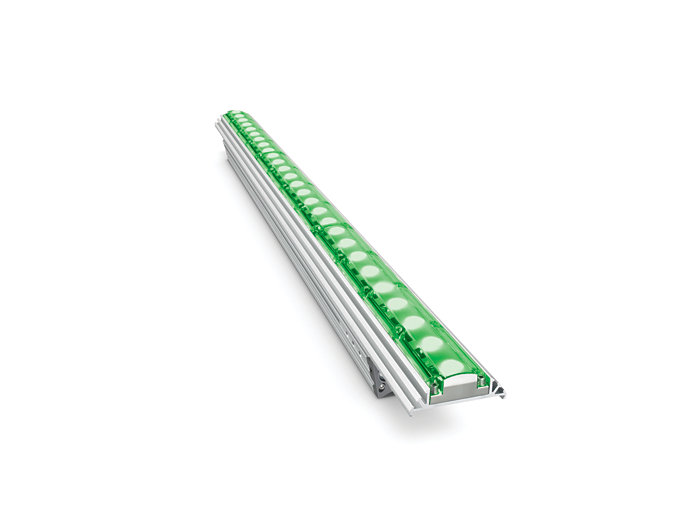 eColor Graze QLX Powercore architectural Green LED fixture