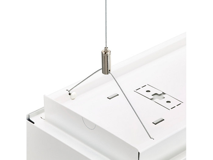 Triangular suspension set for rectangular PowerBalance luminaire